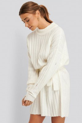 Nicci Hernestig x NA-KD Nicci Hernestig x NA-KD Oversized Tie Knitted Dress - White