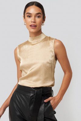 NA-KD Party NA-KD Party High Neck Structured Satin Top - Beige