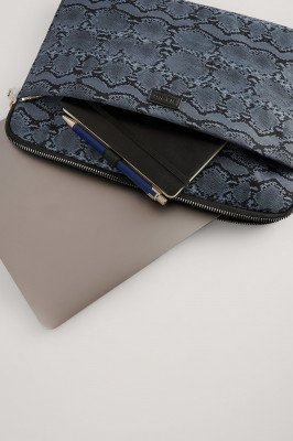 NA-KD Accessories NA-KD Accessories Laptophoes Met Print - Blue