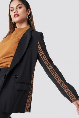 NA-KD Trend N Branded Blazer - Black