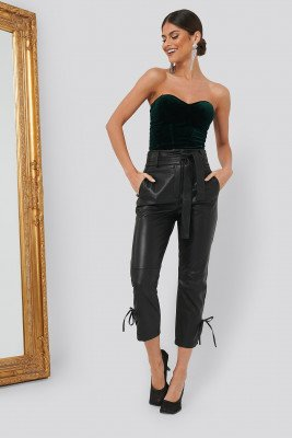 Chloé B x NA-KD PU Tie Bottom Pants - Black