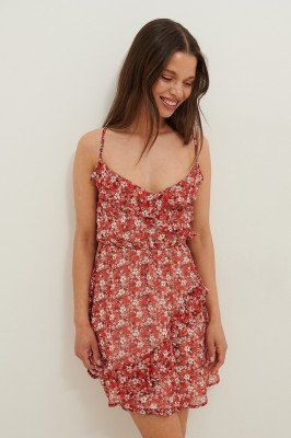 Anika Teller x NA-KD Anika Teller x NA-KD Golvend Mini-jurk Met Gekruiste Rug - Red
