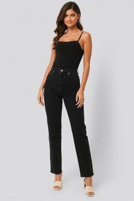 NA-KD NA-KD Gerecycleerd Jeans Met Gedraaide Naad - Black