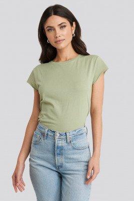 NA-KD NA-KD T-Shirt Met Ruwe Zoom - Green