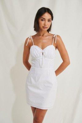 Moa Mattsson x NA-KD Moa Mattsson x NA-KD Organisch Mini-jurk Met Ruches - White