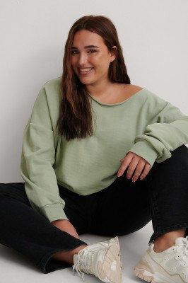 NA-KD Basic NA-KD Basic Gerecycleerd Sweater Met One-shoulder En Ruwe Afwerking Bij De Hals - Green
