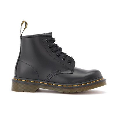 Dr. Martens Anfibio 101 boots