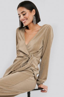 NA-KD Party NA-KD Party Overlap Knot Pleated Top - Beige