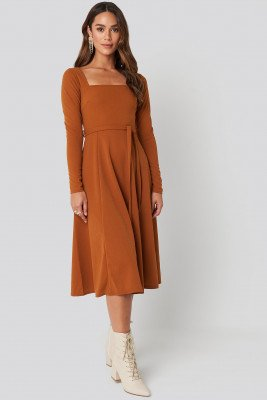 NA-KD Trend NA-KD Trend Tied Waist Square Neck Dress - Brown