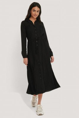 NA-KD Classic Pleated Maxi Dress - Black