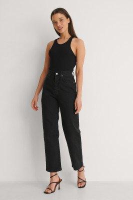 NA-KD NA-KD Organisch Rechte Petite Jeans Met Hoge Taille - Black