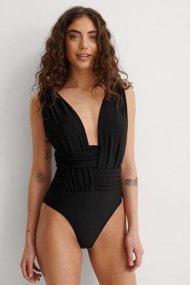 NA-KD Swimwear NA-KD Swimwear Gerecycled Jetset Hooguitgesneden Badpak - Black