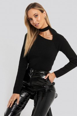 Trendyol Collar Cut Out Detailed Top - Black