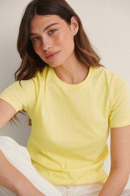 NA-KD Basic NA-KD Basic T-Shirt Van Biologisch Katoen Met Ronde Hals - Yellow