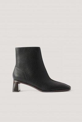 NA-KD Shoes NA-KD Shoes Laarsjes Met Cilinderhak En Vierkante Neus - Black