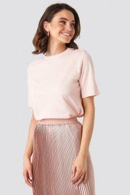 NA-KD Basic NA-KD Basic T-Shirt Met Hoge, Ronde Halslijn - Pink