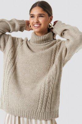 Kae Sutherland x NA-KD Kae Sutherland x NA-KD Cable Knit Turtleneck Sweater - Beige