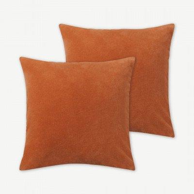 MADE.COM Lorna set van 2 fluwelen kussens, 45 x 45 cm, papaya