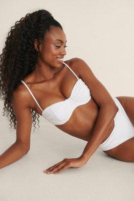 Mimi A.R x NA-KD Mimi A.R x NA-KD Gerecycleerd En Gerimpeld Bikinitopje - White