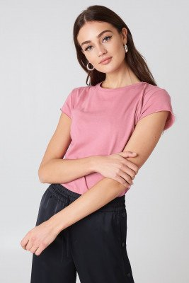 NA-KD Basic T-Shirt Met Ruwe Zoom - Pink