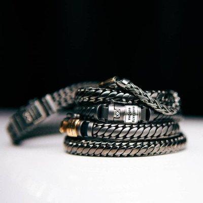 Buddha to Buddha Buddha to Buddha Armband Katja XS Black Rhodium Shine Goud 14kt