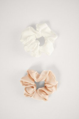 NA-KD Accessories NA-KD Accessories Dubbelpack Glanzende Satijnen Scrunchies - Multicolor