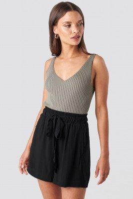 NA-KD Belted Flowing Shorts - Black