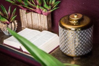 Firawonen.nl PTMD lazaro goud taffellamp glas rond met print en