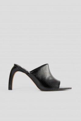 NA-KD Shoes NA-KD Shoes Muiltjes Met Gebogen Hakken - Black