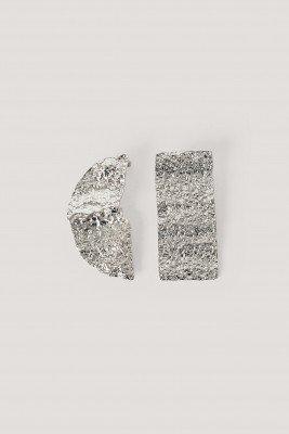 NA-KD Accessories NA-KD Accessories Gehamerde Asymmetrische Oorbellen - Silver