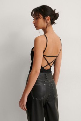 NA-KD Party NA-KD Party Gerecycled Geribde Body Met Kruis Achter - Black