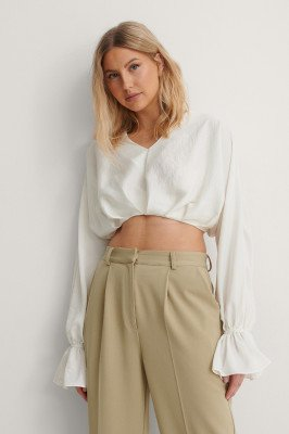 NA-KD Party NA-KD Party Zwierige Cropped Blouse - White