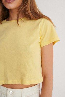 Trendyol Trendyol Cropped T-Shirt - Yellow