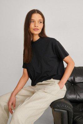 Trendyol Trendyol T-Shirt - Black