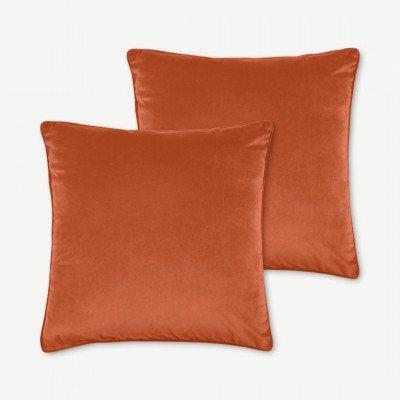 MADE.COM Julius set van 2 fluwelen kussens, 59 x 59cm, gebrand oranje