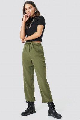 Astrid Olsen x NA-KD Astrid Olsen x NA-KD Drawstring Suit Pants - Green
