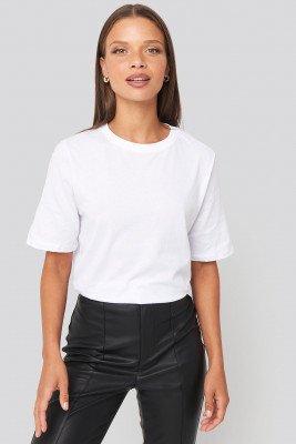 NA-KD Basic NA-KD Basic T-Shirt Met Hoge, Ronde Halslijn - White