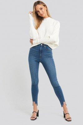 NA-KD NA-KD Super High Waist Asymmetrical Hem Jeans - Blue