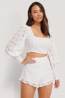 The Fashion Fraction x NA-KD Short Met Ruches - White