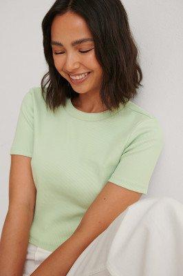 Louise Madsen x NA-KD Louise Madsen x NA-KD Organisch Basic T-shirt - Green