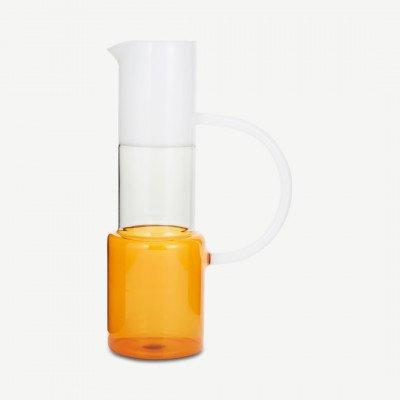 MADE.COM Ichendorf Milano driekleurige glazen kan, 120 cl, amberkleurig rookglas en wit