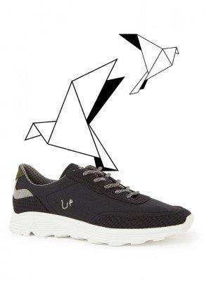 Up Up Pet Trail sneaker met logo