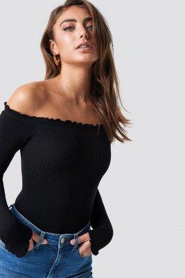 Pamela x NA-KD Pamela x NA-KD Off Shoulder Light Knit Top - Black