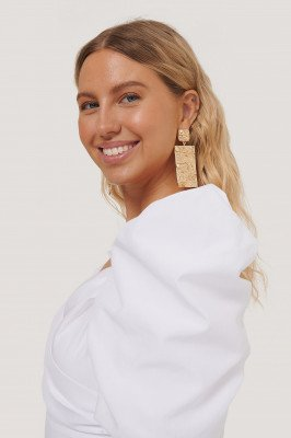 NA-KD Accessories Oversize Gehamerde Vierkante Oorbellen - Gold