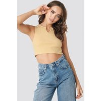 Statement By NA-KD Influencers Hannah Whiting Cropped Top - Nude