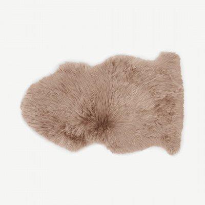 MADE.COM Helgar 100% schapenvacht vloerkleed, 60 x 90 cm, zandsteen
