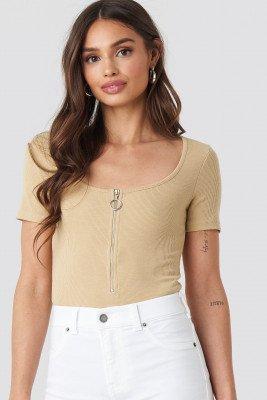 NA-KD Short Sleeve Zipped Top - Beige