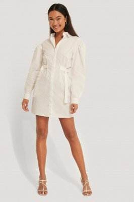 Emma Ellingsen x NA-KD Getailleerde Oversized Shirtjurk - White