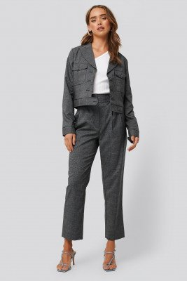 NA-KD Classic Loose Fit Plaid Cropped Pants - Grey