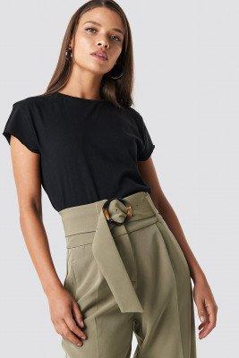 NA-KD Basic T-Shirt Met Ruwe Zoom - Black
